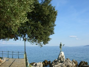 opatija-Statue-Maiden-with-the-seagull
